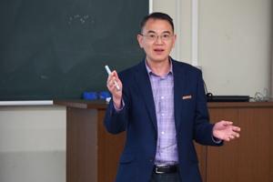 Hark Hoe Tan教授