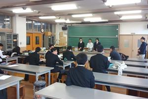 コンピュータ部によるスピーカ製作の講習
