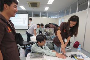 日東公進株式会社では、正しいねじの締め方を習う