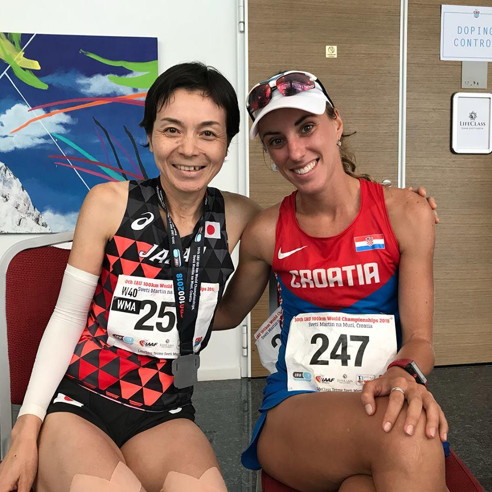 4入賞の太田さんと女子世界チャンピオン